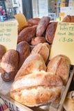 Selectie van Verschillende soorten artisanaal brood royalty-vrije stock fotografie