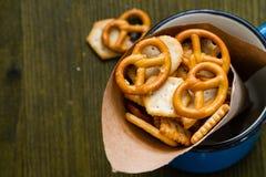 Selectie van zoute snacks Royalty-vrije Stock Afbeeldingen