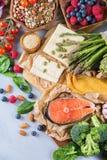 Selectieassortiment van gezond evenwichtig voedsel voor hart, dieet royalty-vrije stock foto's