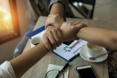 In selectief van de bedrijfshanden van groepswerk, het medewerkersconcept royalty-vrije stock foto