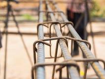 Selectieve geconcentreerde staalstaven in gewapend beton kolom Royalty-vrije Stock Afbeelding