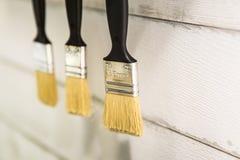 Selectieve nadruk 35 mm hang verfborstels Stock Foto's