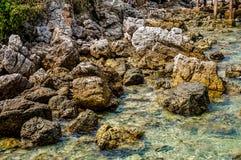 Selectieve nadruk velen rots in het overzees Royalty-vrije Stock Foto's