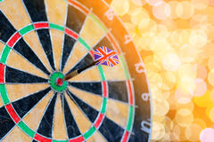 Free Selective Focus Of Dart UK Flag In Old Target Dart With Bokeh Royalty Free Stock Photography - 71943717