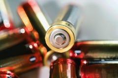 selekcyjna ostrość alkaliczna AA baterii energia Obraz Stock