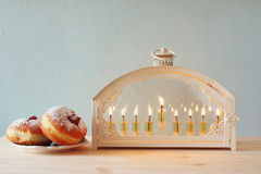 Selekcyjnej ostrości wizerunek żydowski wakacyjny Hanukkah Obraz Stock