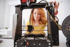 Selektiv fokus av en maskin för printing 3d Arkivbild