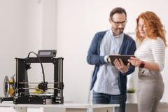 Selektiv fokus av en printingmaskin för professionell 3d Arkivfoto
