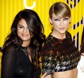 Selena Gomez και κύψελλος του Taylor Στοκ Εικόνες