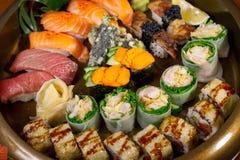 Selezione choice dell'assortimento di miscuglio dei sushi freschi Fotografia Stock Libera da Diritti