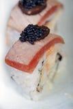 Selezione choice dell'assortimento di miscuglio dei sushi freschi immagini stock libere da diritti