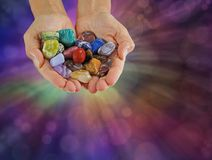 Selezione d'offerta del guaritore di cristallo delle pietre curative ruzzolate Fotografia Stock