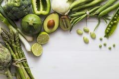 Selezione degli ingredienti verdi della verdura e della frutta Fotografie Stock Libere da Diritti