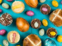 Selezione dei dolci e di Mini Chocolate Easter tradizionali di Pasqua Immagini Stock Libere da Diritti