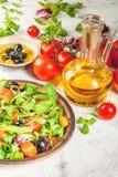 Selezione dei prodotti per insalata ed insalata Fotografie Stock Libere da Diritti