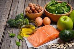 Selezione dei prodotti sani Concetto di dieta equilibrata Fotografie Stock Libere da Diritti