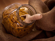 Selezione della pasta in una ciotola di vetro Fotografia Stock