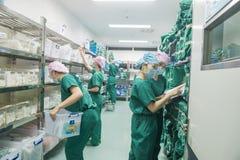 Selezione della preparazione attrezzatura-preoperatoria chirurgica Immagini Stock