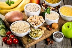 Selezione di buone fonti dei carboidrati Dieta sana del Vegan fotografia stock libera da diritti