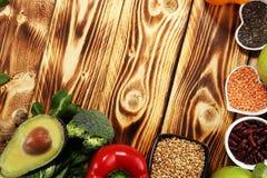 Selezione pulita di cibo dell'alimento sano E fotografie stock libere da diritti