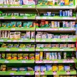 Selezione sopra di contro medicine di influenza e fredde fotografia stock