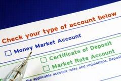 Selezioni il vostro conto bancario nello scontrino di versamento Fotografia Stock Libera da Diritti