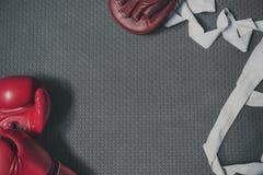 Self-defence van het bokserponsen Sterke Atleet Beat Concept Stock Foto