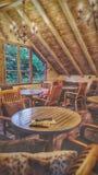 Self-service accogliente con interior design di legno immagini stock