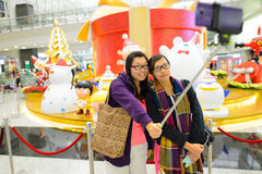 Selfie在香港国际机场 库存图片