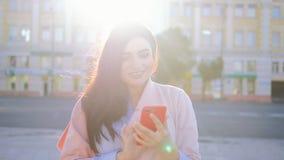 Selfie敬佩瘾妇女照片的趋向自已 股票视频