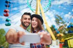 Selfie в парке атракционов Стоковая Фотография