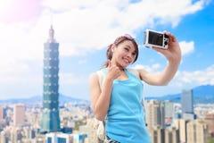 Selfie женщины счастливо стоковая фотография