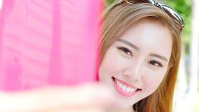 Selfie женщины счастливо стоковое изображение