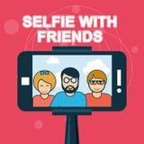 Selfie с друзьями - smartphone Стоковое Фото