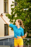 Selfie adolescente da menina Imagens de Stock
