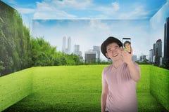 Selfie asiatique de prise d'homme Photo libre de droits