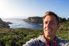 Selfie auf der Küste lizenzfreies stockfoto