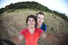 Selfie av två män royaltyfria bilder