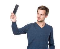 Selfie caucásico de la toma del hombre Fotos de archivo libres de regalías
