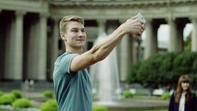 Selfie contra la fuente metrajes