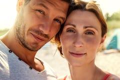 Selfie d'été sur la plage photos libres de droits