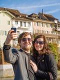 Selfie dans la ville Photo stock