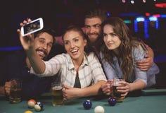 Selfie dans le bar Photographie stock