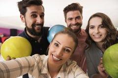Selfie dans le club de bowling Images stock