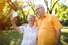 Selfie de beaux couples Image libre de droits