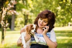 Selfie de femme et de chien Photo libre de droits