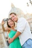 Selfie de los pares de los turistas de la Ciudad del Vaticano en Roma Imagen de archivo