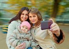 Selfie de mère, de fille et de petite-fille Image libre de droits