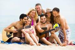 Selfie de plage d'amis Photographie stock libre de droits