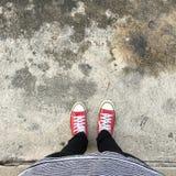 Selfie de zapatillas de deporte en el camino Fotos de archivo libres de regalías